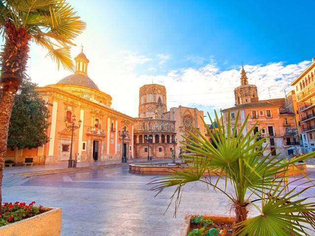 Geniet van de Spaanse stad <b>Valencia</b> incl. vlucht en ontbijt