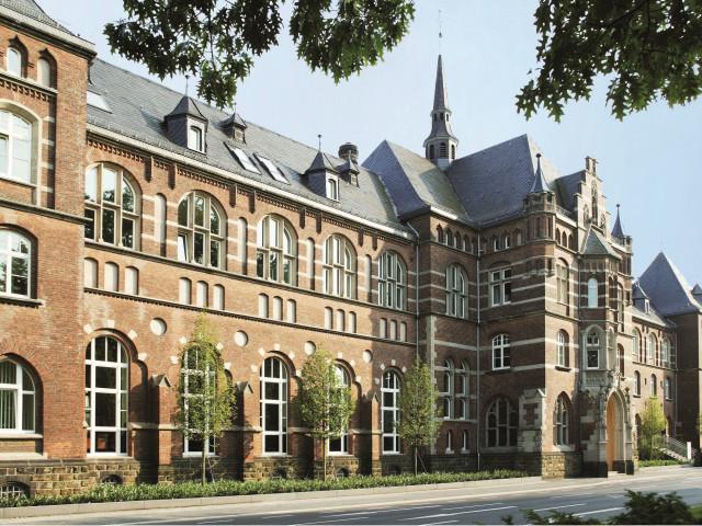 Luxe 4*-kloosterhotel in hartje <b>Bonn</b> incl. ontbijt