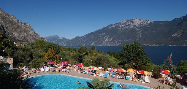 Dagaanbieding: 4, 5 of 8 dagen halfpension op een camping direct aan het Gardameer