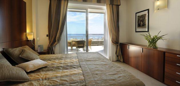 Dagaanbieding: 4, 6 of 8 dagen o.b.v. halfpension in een 4*-Resort aan de kust midden in de Bloemenrivièra