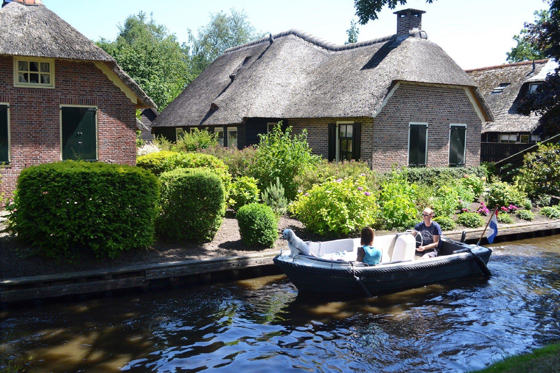 Vakantiewoning aan het water met terrasVakanties voor