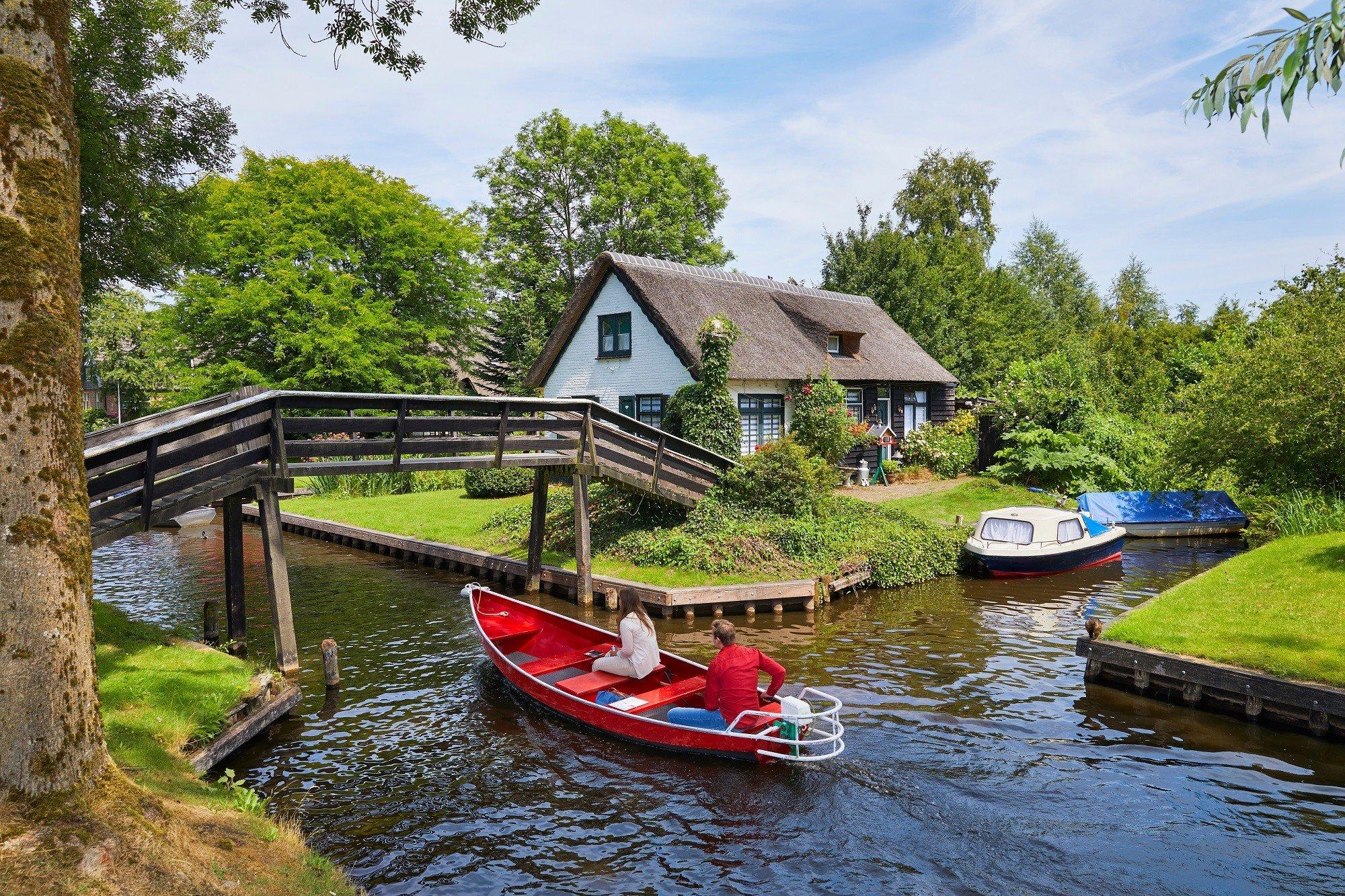 Dagaanbieding - Weekend, midweek of week in een vakantiechalet aan het water op Vakantiepark Giethoorn dagelijkse koopjes