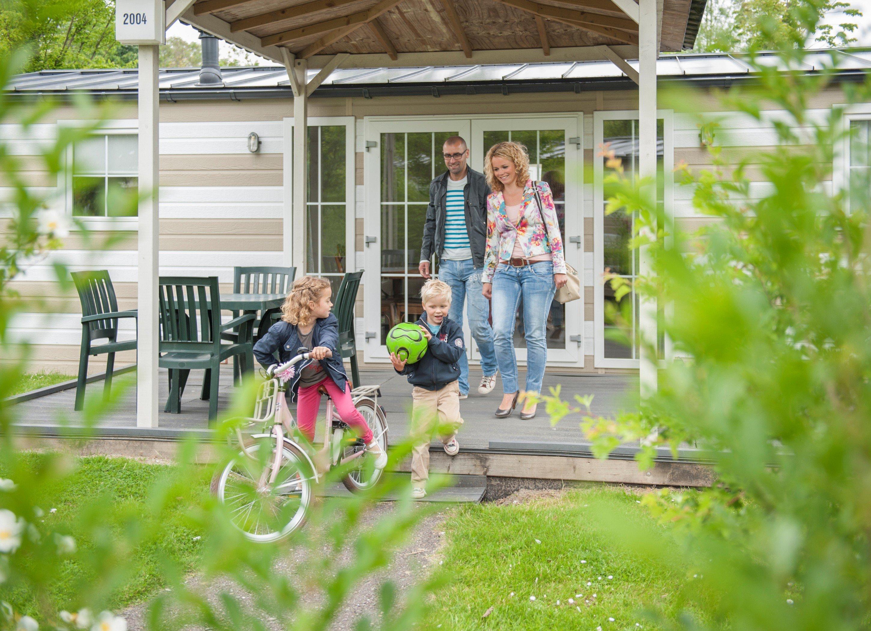 Dagaanbieding - Weekend, midweek of week op Roompot vakantiepark direct aan N.P. de Oosterschelde  dagelijkse koopjes