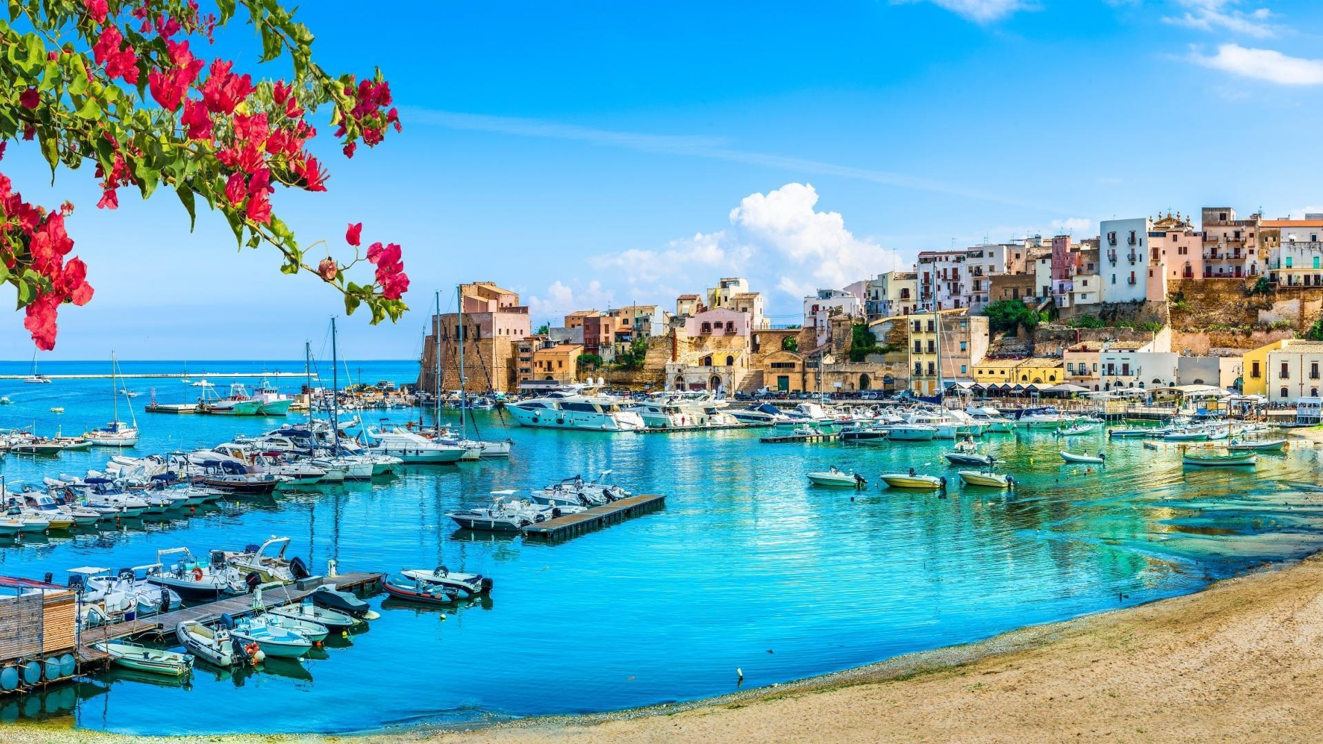 8- of 15-daagse vakantie in 4*-hotel op Sicilie incl. vlucht en huurauto