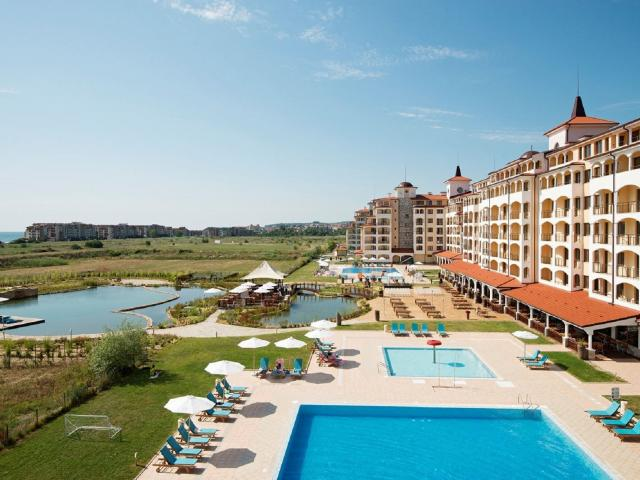 1 of 2 weken all-inclusive in een 4*-resort in Bulgarije incl. vlucht en transfer