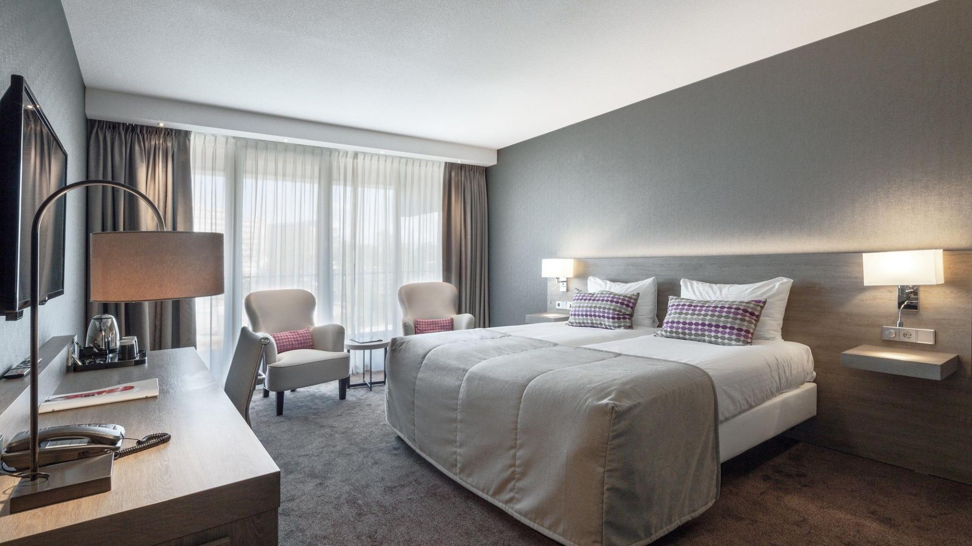 2 Of 3 Dagen Top Beoordeeld Van Der Valk Hotel <b>Haarlem</b> Incl. 3-gangendiner