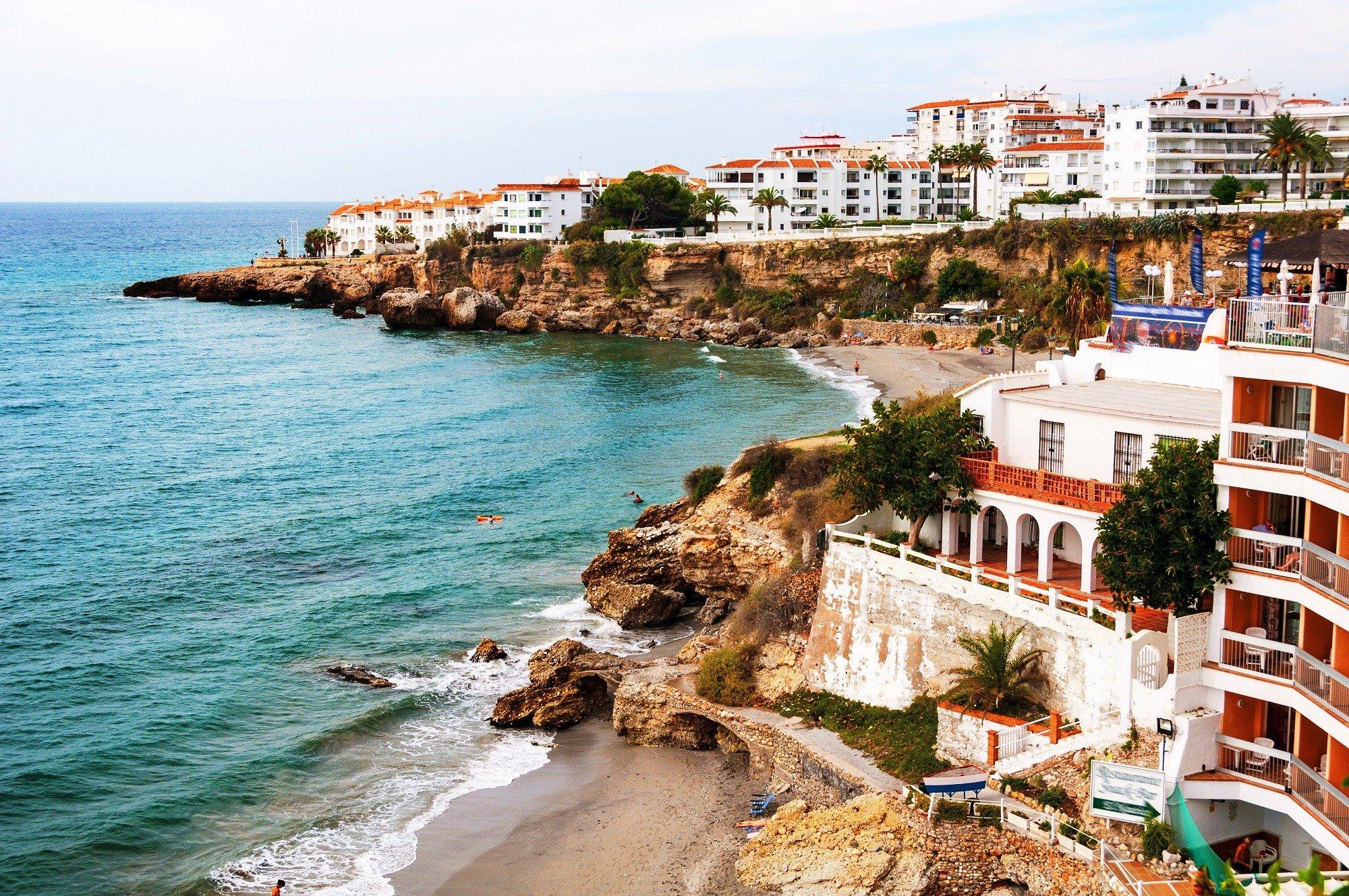 6, 8 of 15 dagen overwinteren aan de Costa del Sol in Nerja incl. vlucht en 4*-hotel