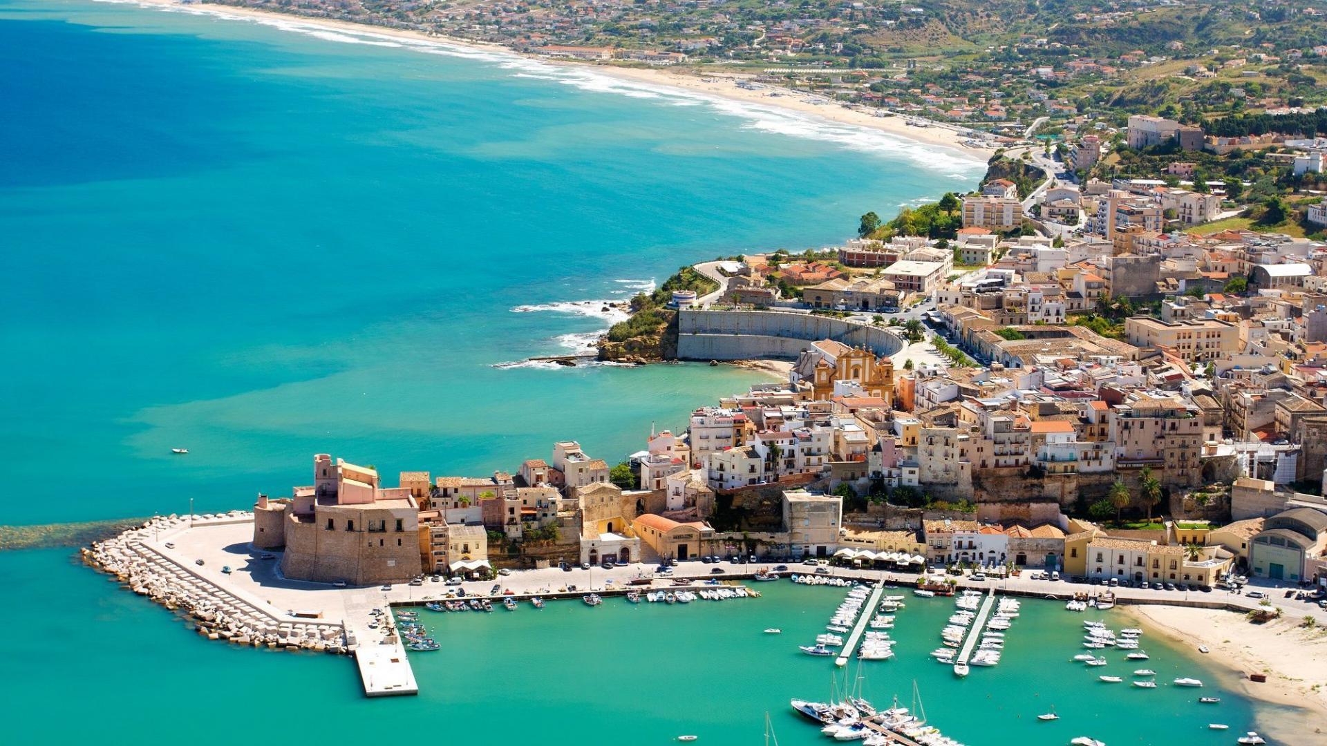 8- of 15-daagse vakantie in <b>Sicilië</b> incl. vlucht en huurauto <br/>EUR 379.00 <br/> <a href='https://www.cheap.nl/ttr/?tt=8820_326306_234289_&amp;r=https%3A%2F%2Fcheap.nl%2F3039%2F8-of-15-dagen-sicilie-incl-vlucht-huurauto' target='_blank'>Bekijk Nu</a>