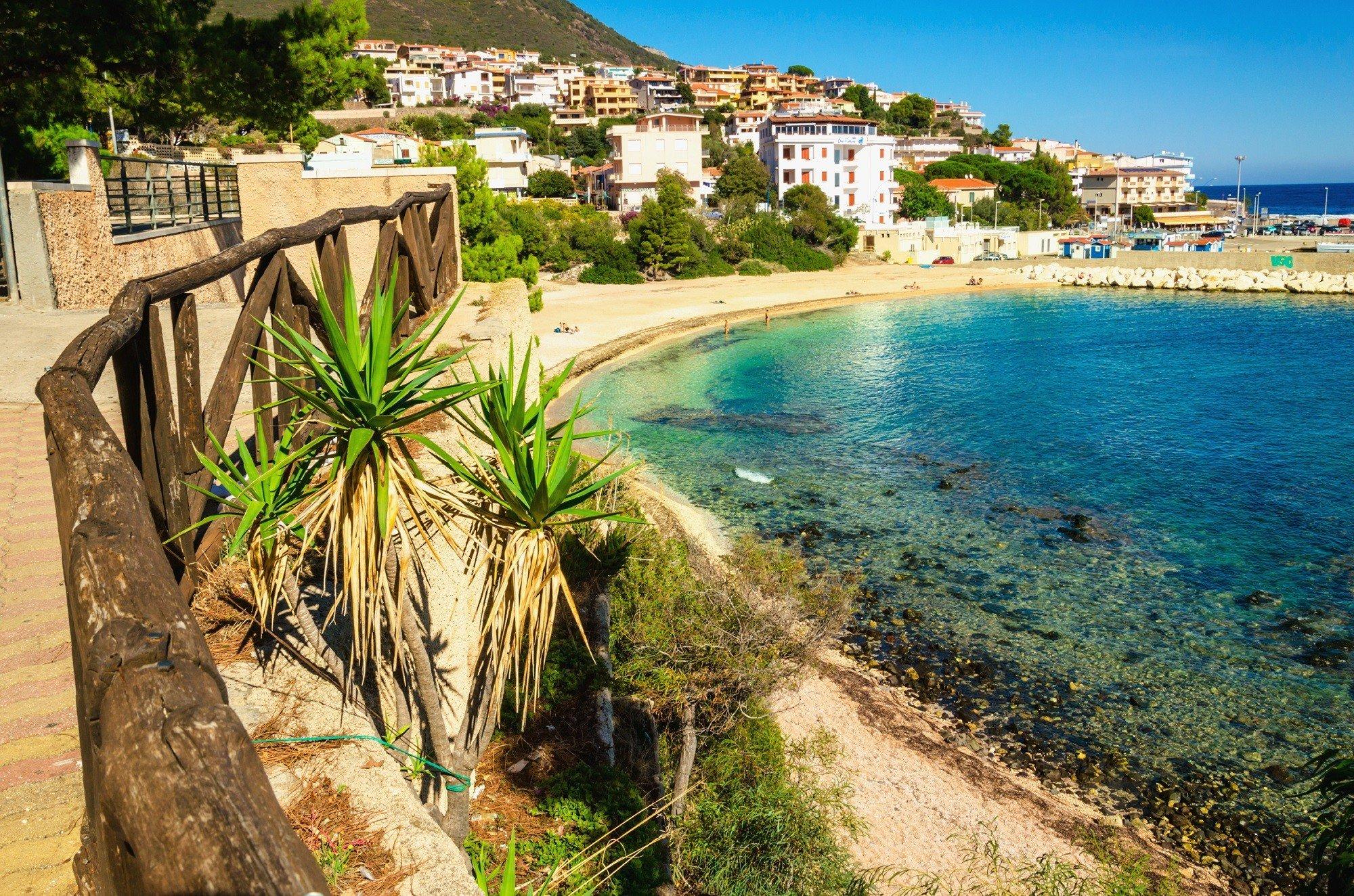 8 of 15-daagse 4*-zonvakantie naar Sardinie incl. vlucht en autohuur