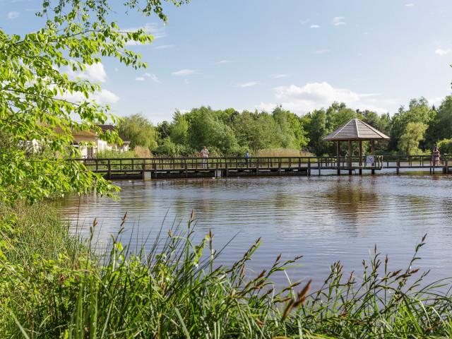 Verblijf bij <b>Center Parcs Limburgse Peel</b> in een 4-, 5-, 6,- of 7-persoons cottage