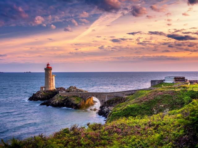 Rondreis door de Franse regio <b>Bretagne</b> o.b.v. eigen vervoer