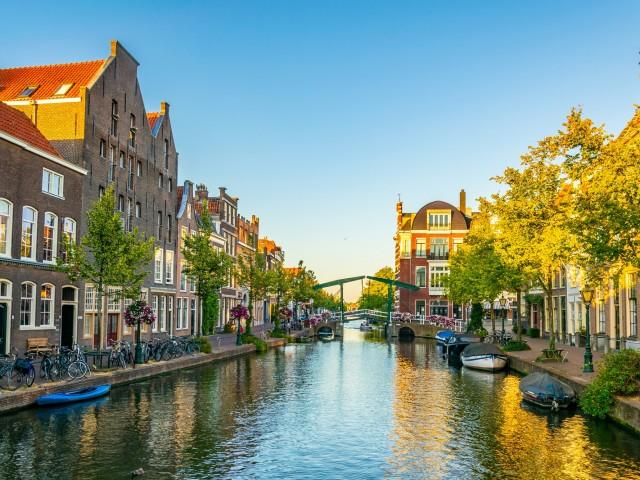 Combineer stad en strand in <b>Leiden</b> incl. 3-gangendiner