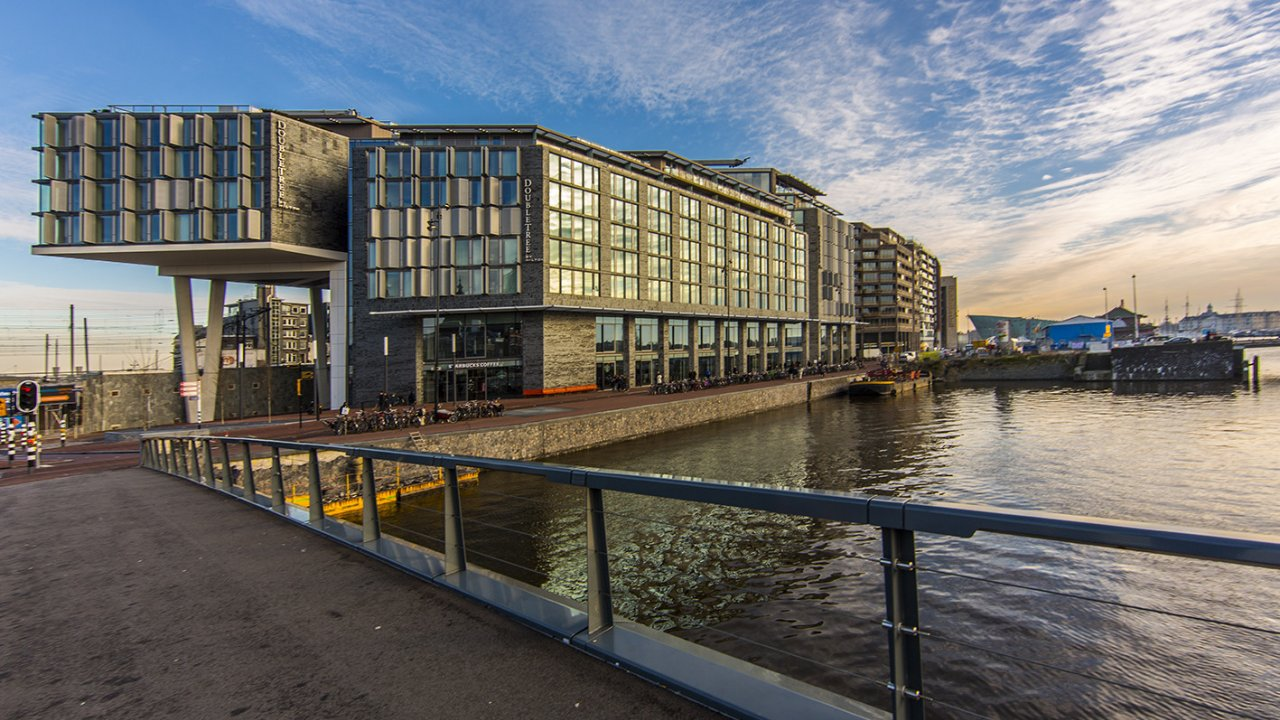 doubletree-by-hilton-amsterdam