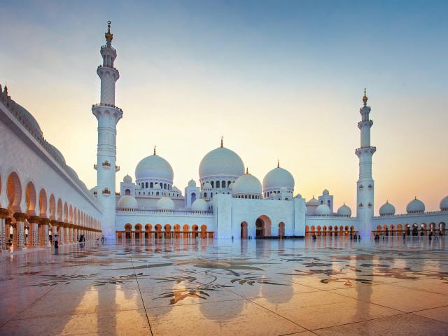 Luxe cruise naar de <b>Verenigde Arabische Emiraten</b> o.b.v. volpension