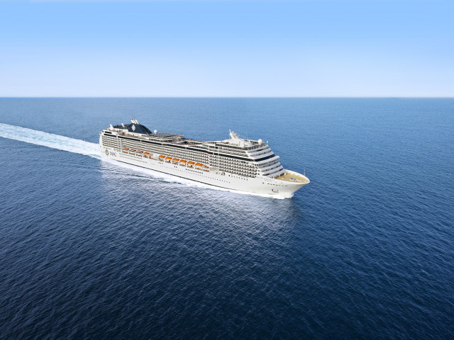 Luxe cruise langs <b>Duitsland, Groot-Brittannië, Frankrijk en België</b> o.b.v. volpension