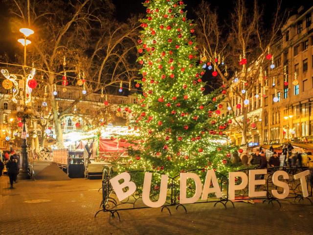 Kerstshoppen in <b>Boedapest</b> incl. vlucht en ontbijt
