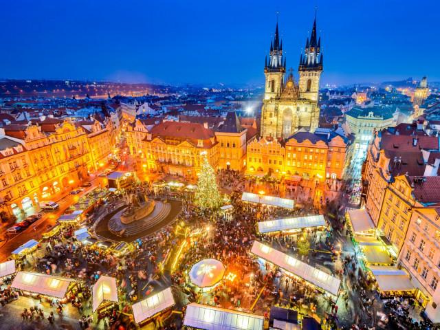 Bezoek de kerstmarkten en verblijf in hartje <b>Praag</b> incl. vlucht en ontbijt