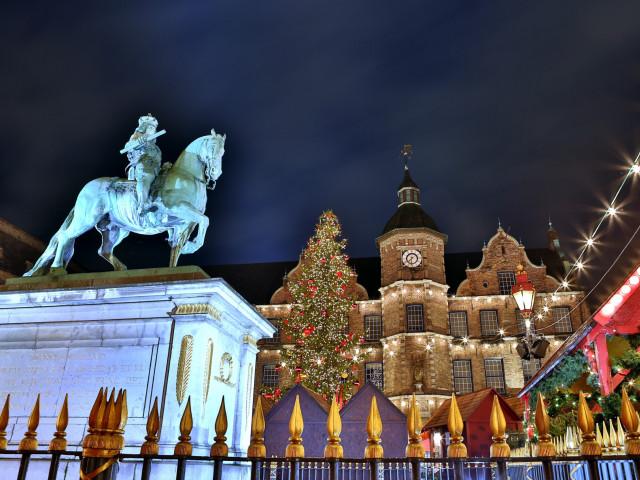 Geniet in een 4*-hotel en ga kerstshoppen in <b>Düsseldorf</b> incl. ontbijt