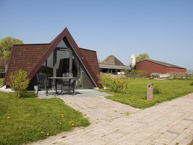 Verblijf in een hotelhuisje in het Noord-Hollandse <b>Andijk</b> incl. ontbijt