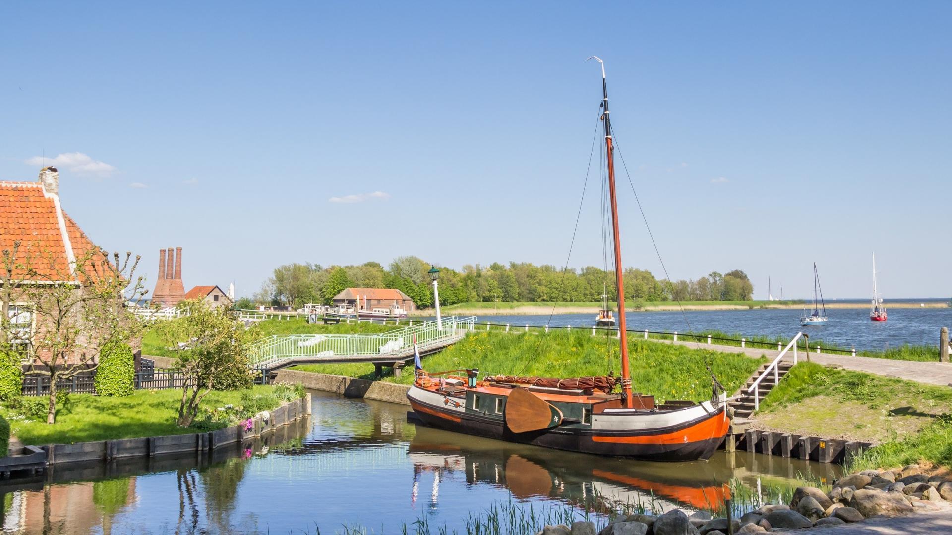 2 of 3 dagen in een hotelhuisje in het Noord-Hollandse <b>Andijk</b> aan het <b>IJsselmeer</b> incl. ontbijt